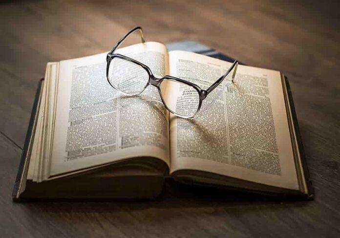 Mengukir Bintang Peradaban dari Tulisan