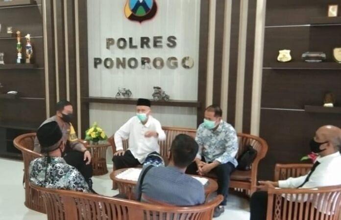 Bersama Aparat Kepolisian, FKUIB Ponorogo Tangkal Radikalisme